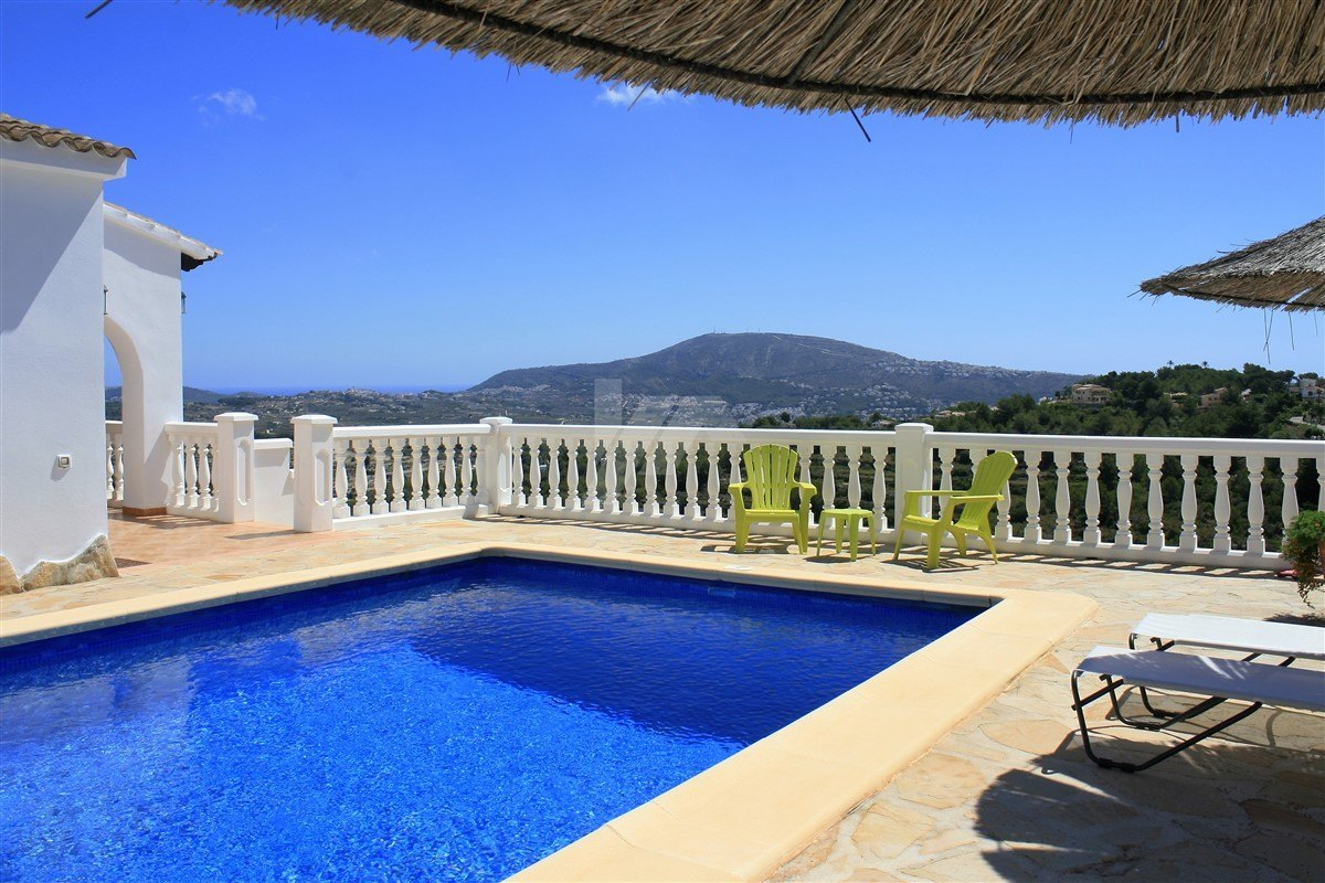 Villa te koop in Moraira met panoramisch uitzicht op zee en de bergen