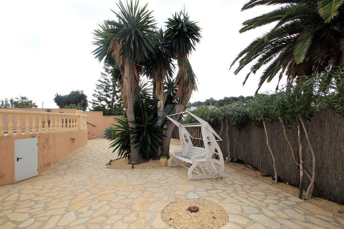 Één niveau villa te koop in Moraira, Costa Blanca.