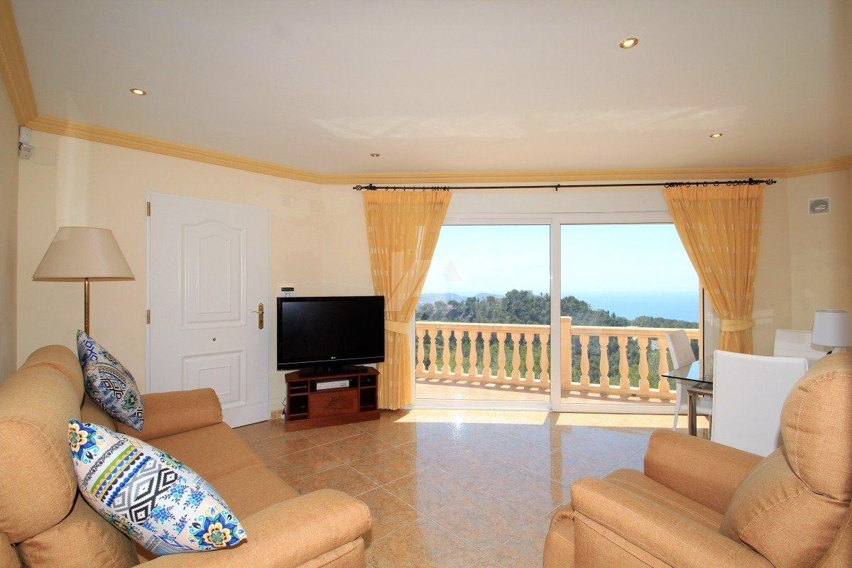 Panoramisch zeezicht villa te koop in Teulda-Moraira, Costa Blanca.