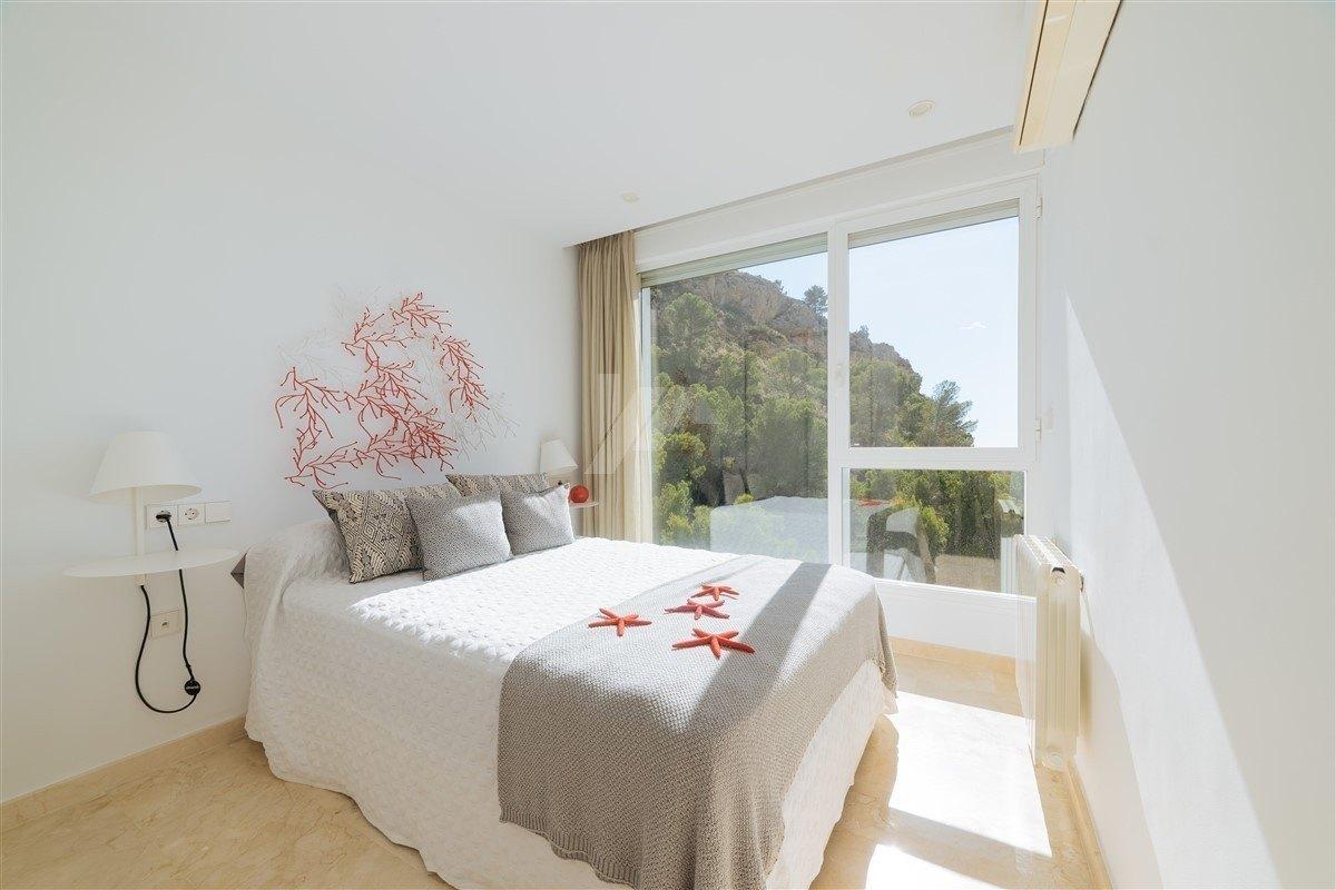 Villa met zeezicht te koop in Altea, Costa Blanca.