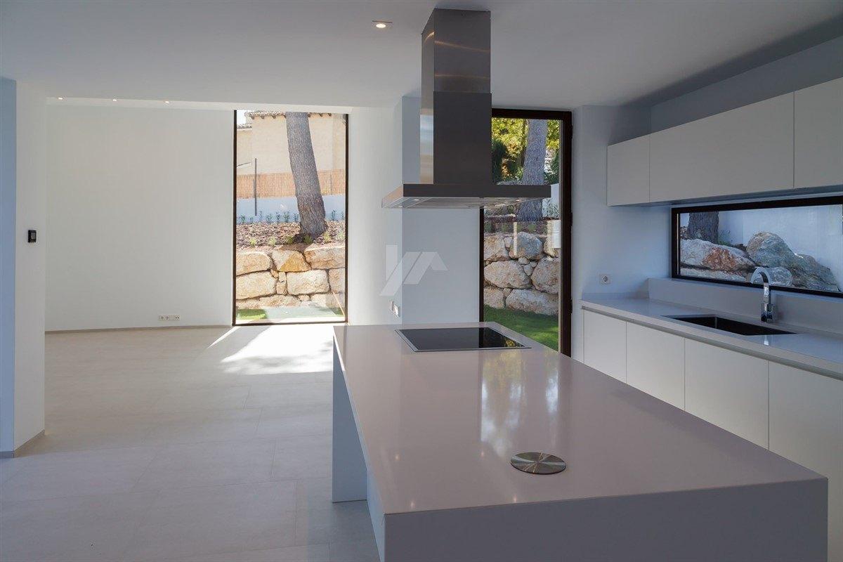 Luxe nieuwbouw villa te koop in Moraira, Costa Blanca.