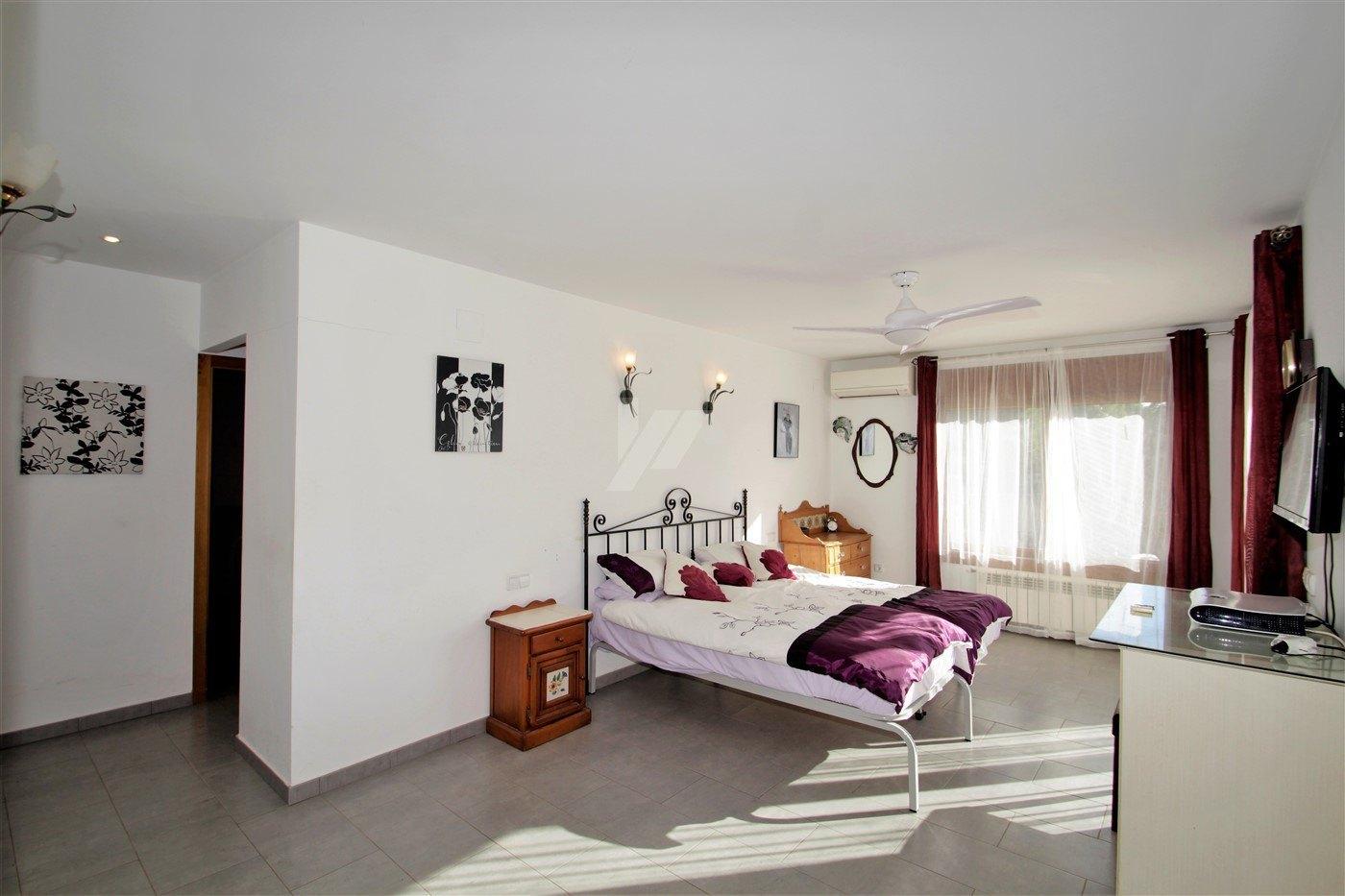 Smetteloze villa te koop in Moraira, Costa Blanca.